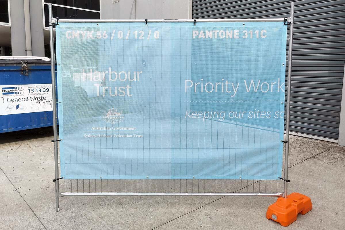 Fence Wrap CMYK vs Pantone Print